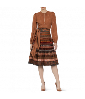 Lena Hoschek Look - Bazaar Blouse cayenne  & Volant Ribbon Skirt henna -  Artisan Partisan - Autumn / Winter 2020/21