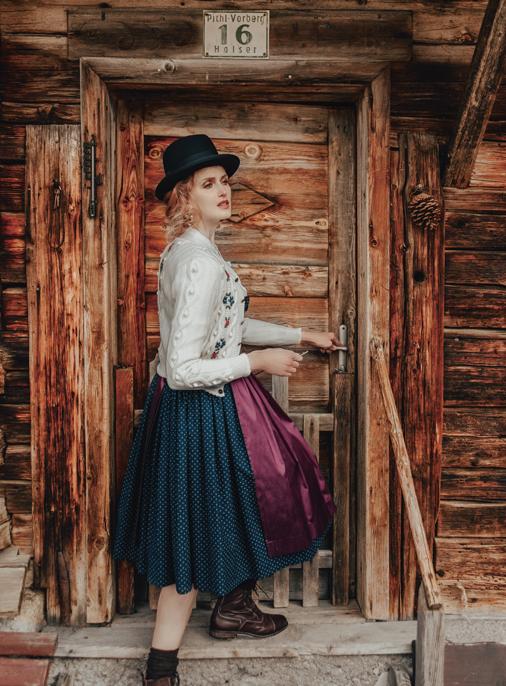 Katalog - Lena Hoschek - AW19/20 - Tradition - Bild -16
