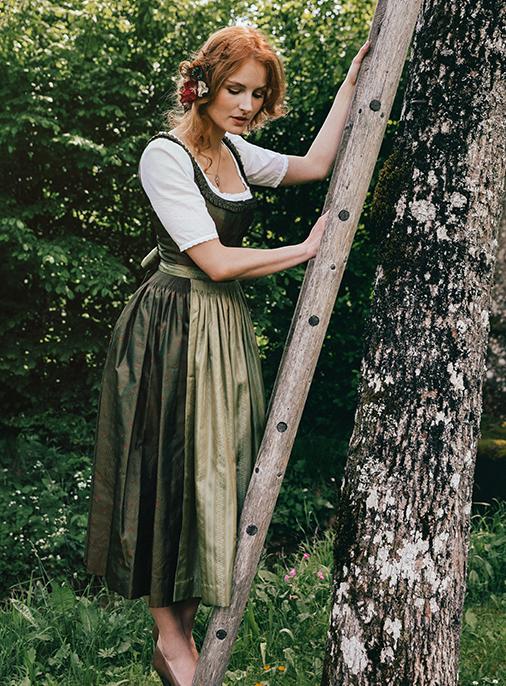 Katalog - Lena Hoschek - AW18/19 - Tradition - Bild -17
