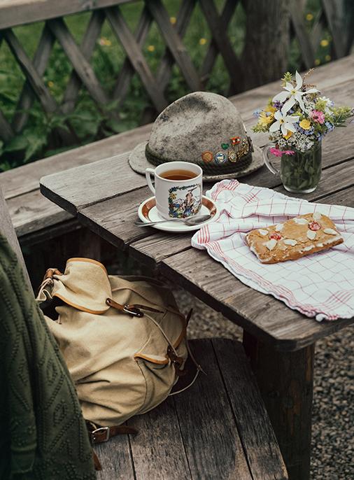 Katalog - Lena Hoschek - AW18/19 - Tradition - Bild -19