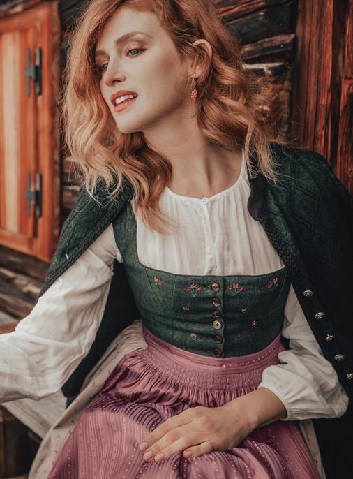 Katalog - Lena Hoschek - AW19/20 - Tradition - Bild -26-27