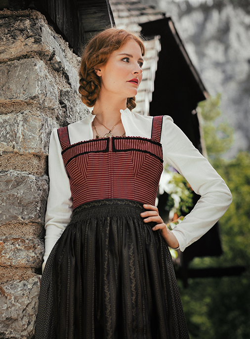 Katalog - Lena Hoschek - AW18/19 - Tradition - Bild -27
