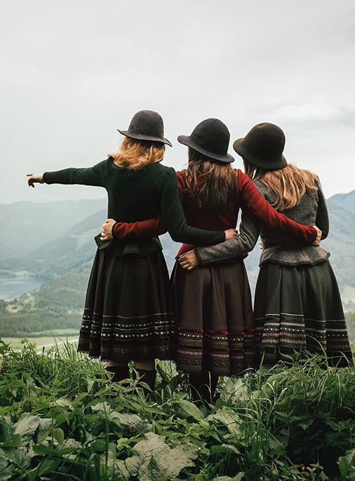 Katalog - Lena Hoschek - AW18/19 - Tradition - Bild -31